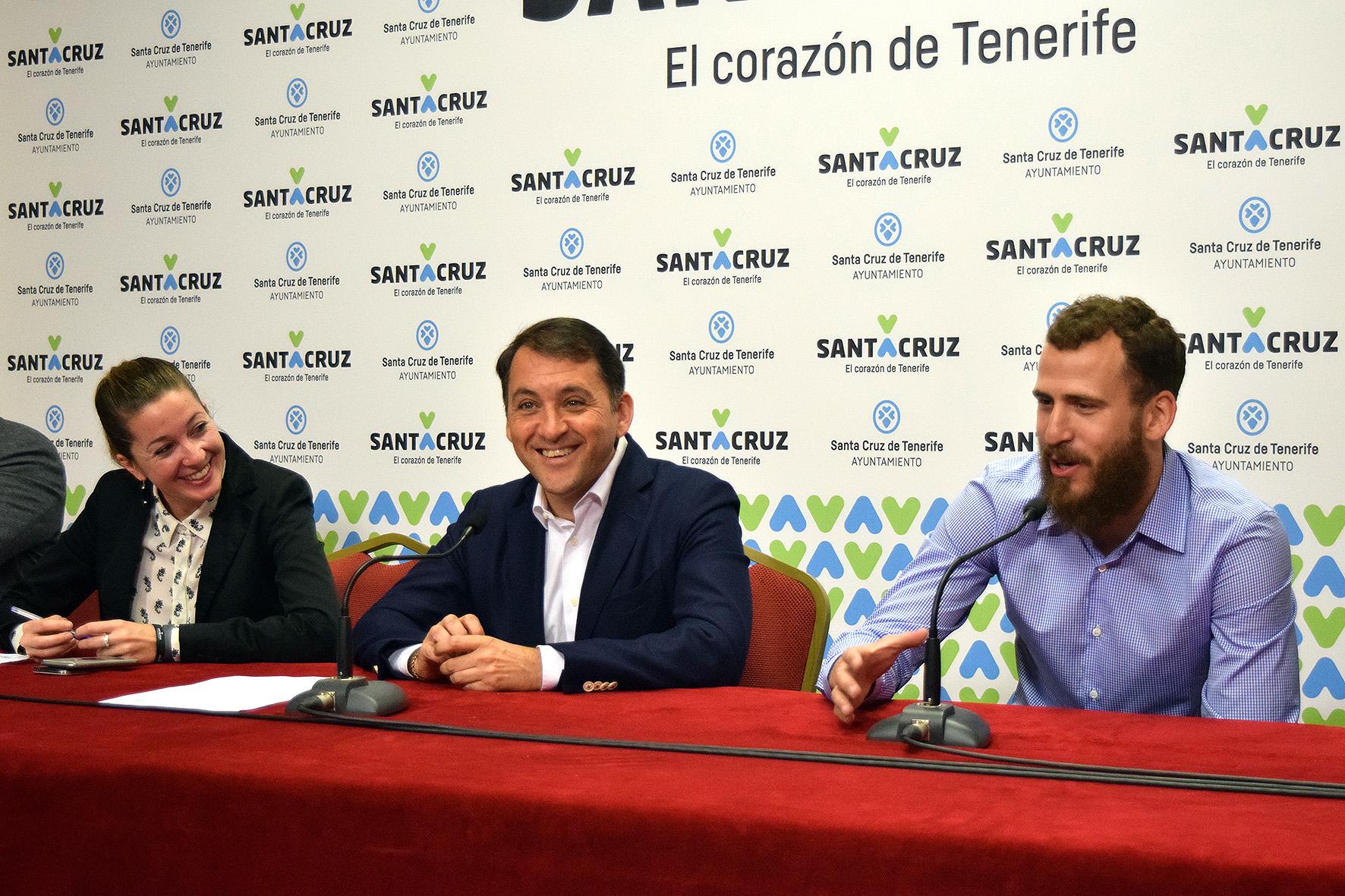 Sergio Rodríguez y José Manuel Bermúdez presentando del Campus