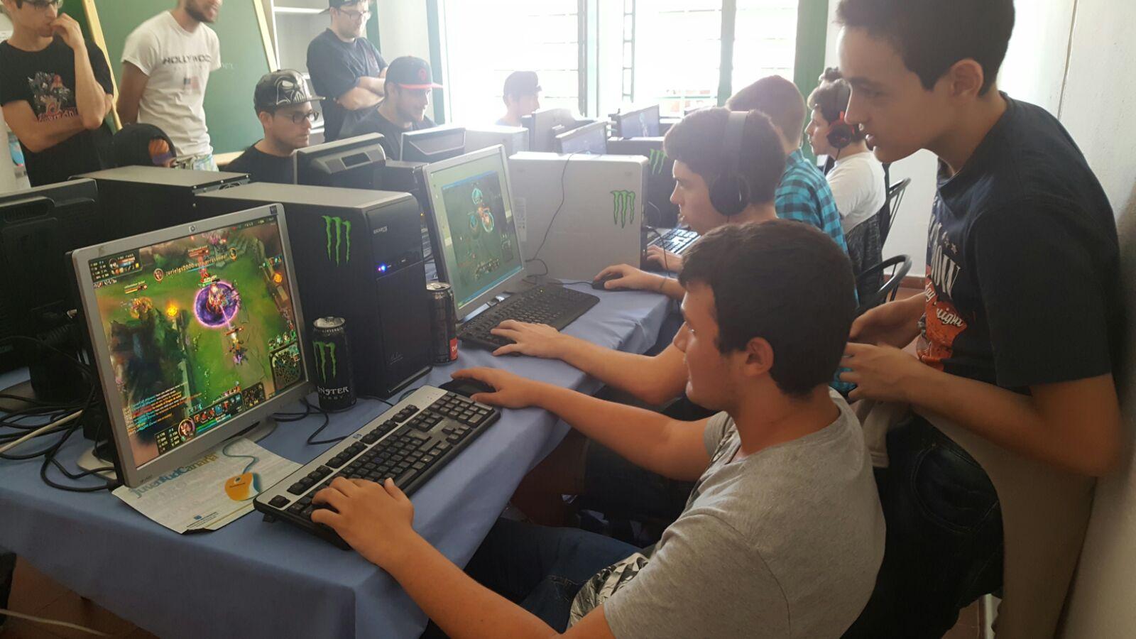 Jornada de juegos en la Casa de la Juventud de Telde