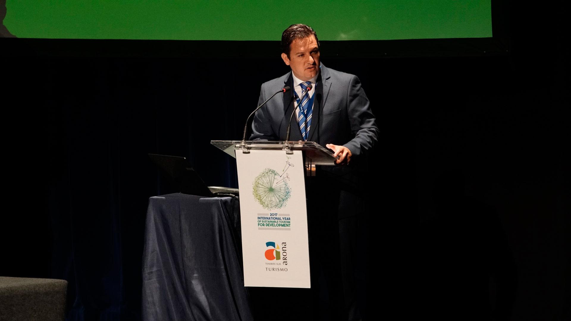 José Julián Mena en la conferencia