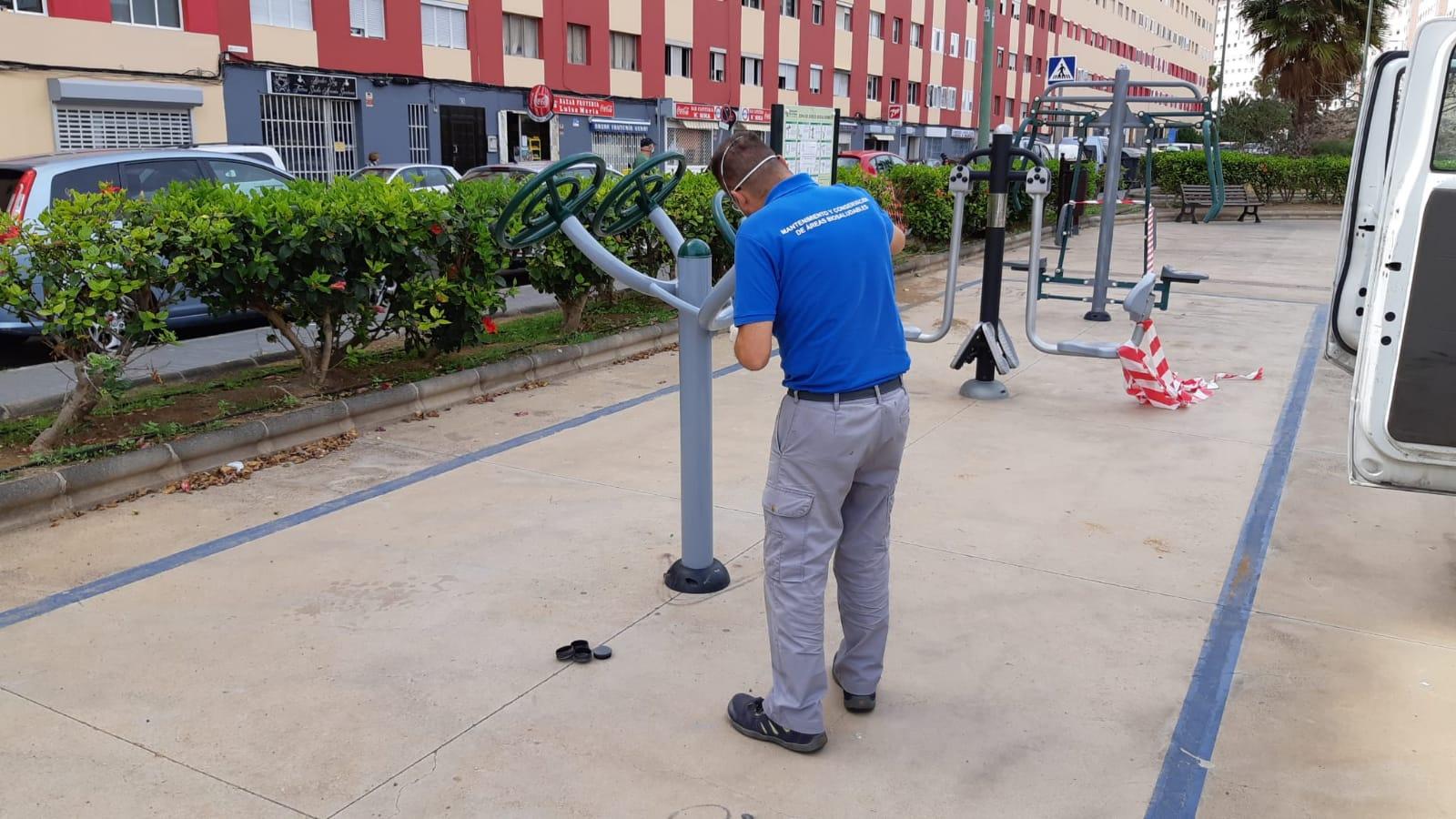 Limpieza del área biosaludable de Las Palmas de Gran Canaria