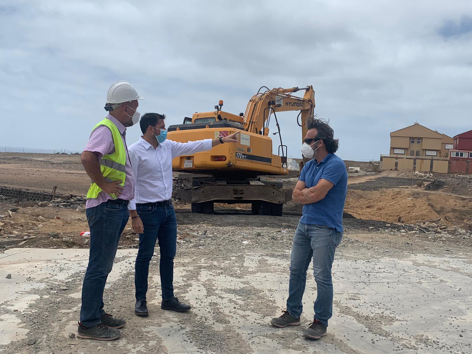 El alcalde de Telde visita las obras de Marpequeña