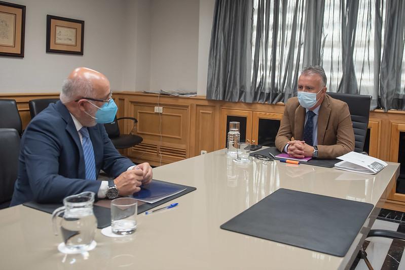 Reunión entre Antonio Morales y  Ángel Víctor Torres. Gran Canaria