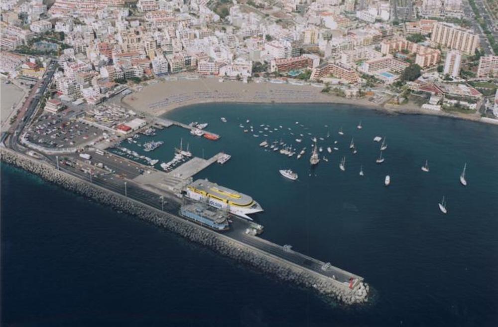 Puerto de Los Cristianos. Tenerife