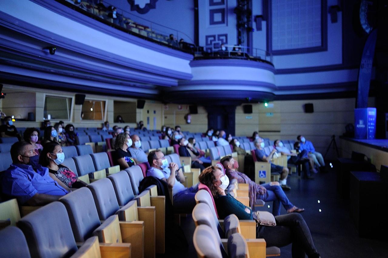 El Ocean Film Tour 7 'enamora' en el Teatro Guiniguada