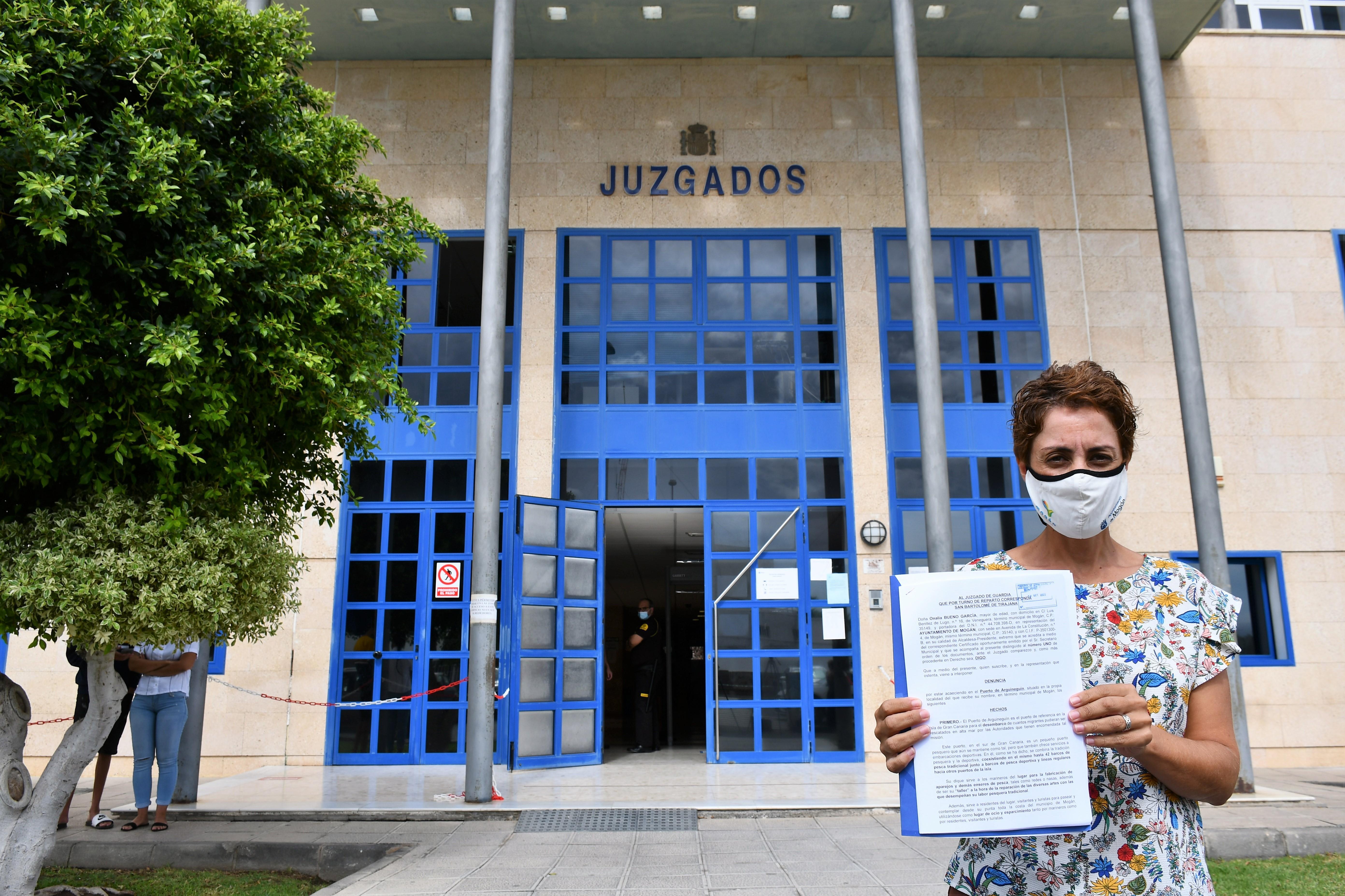 Onelia Bueno interpone denuncia por las condiciones de los migrantes del muelle de Arguineguín
