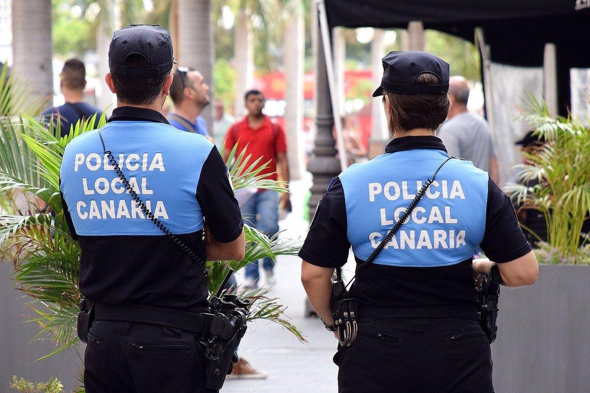 Agentes de la Policía Canaria