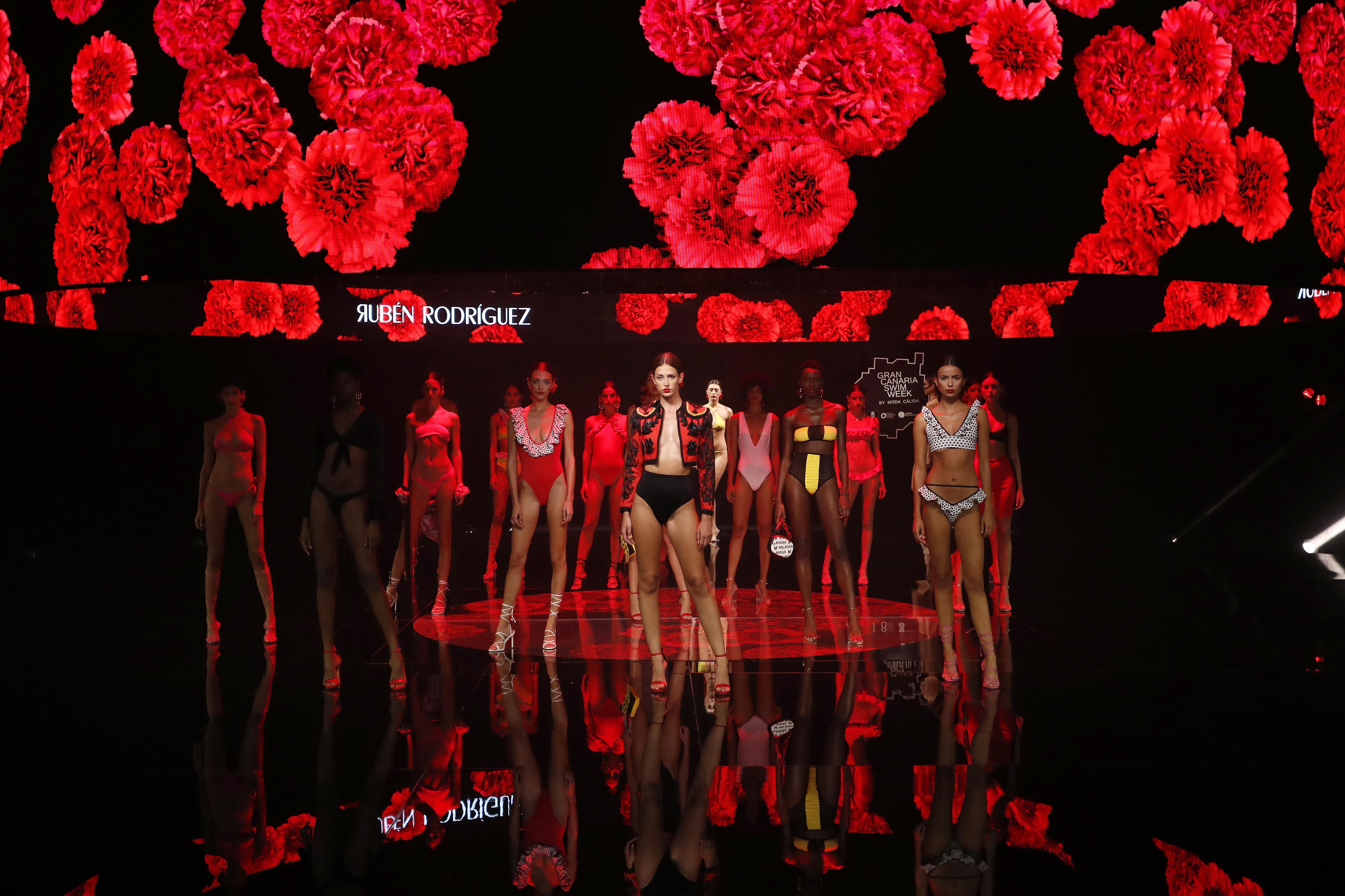 Desfile de Rubén Rodríguez en la Semana de Moda Baño de Gran Canaria