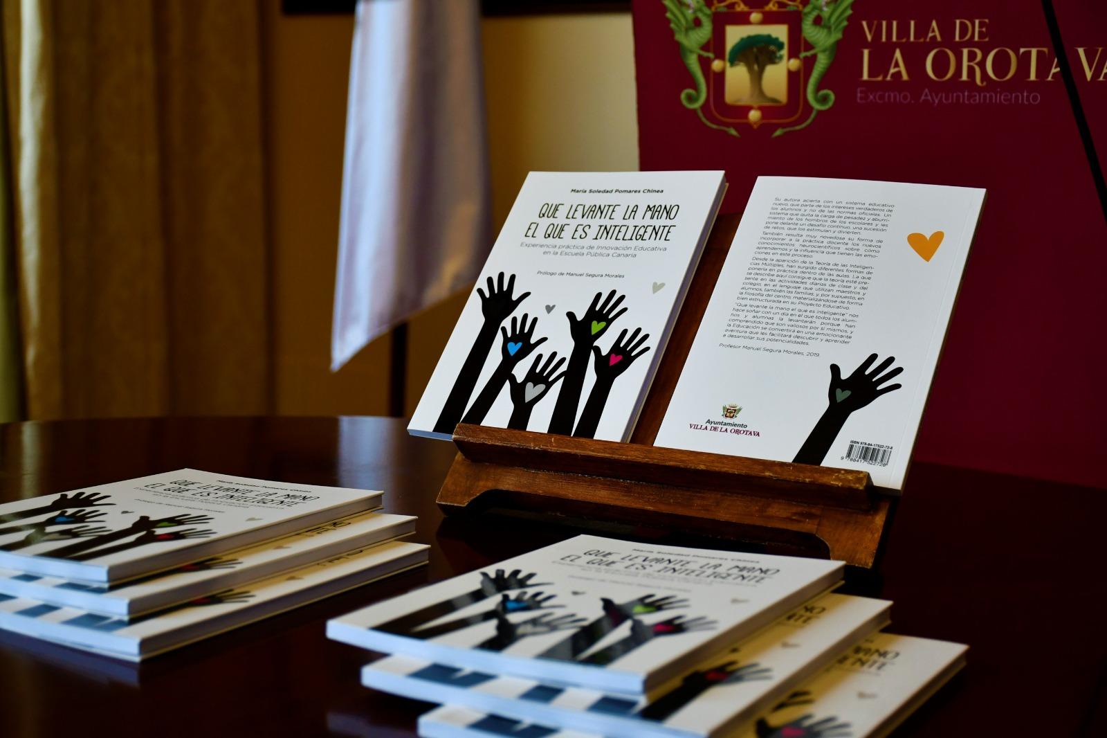 """Libros """"Que levante la mano el que es inteligente"""" del CEIP Aguamansa / CanariasNoticias.es"""