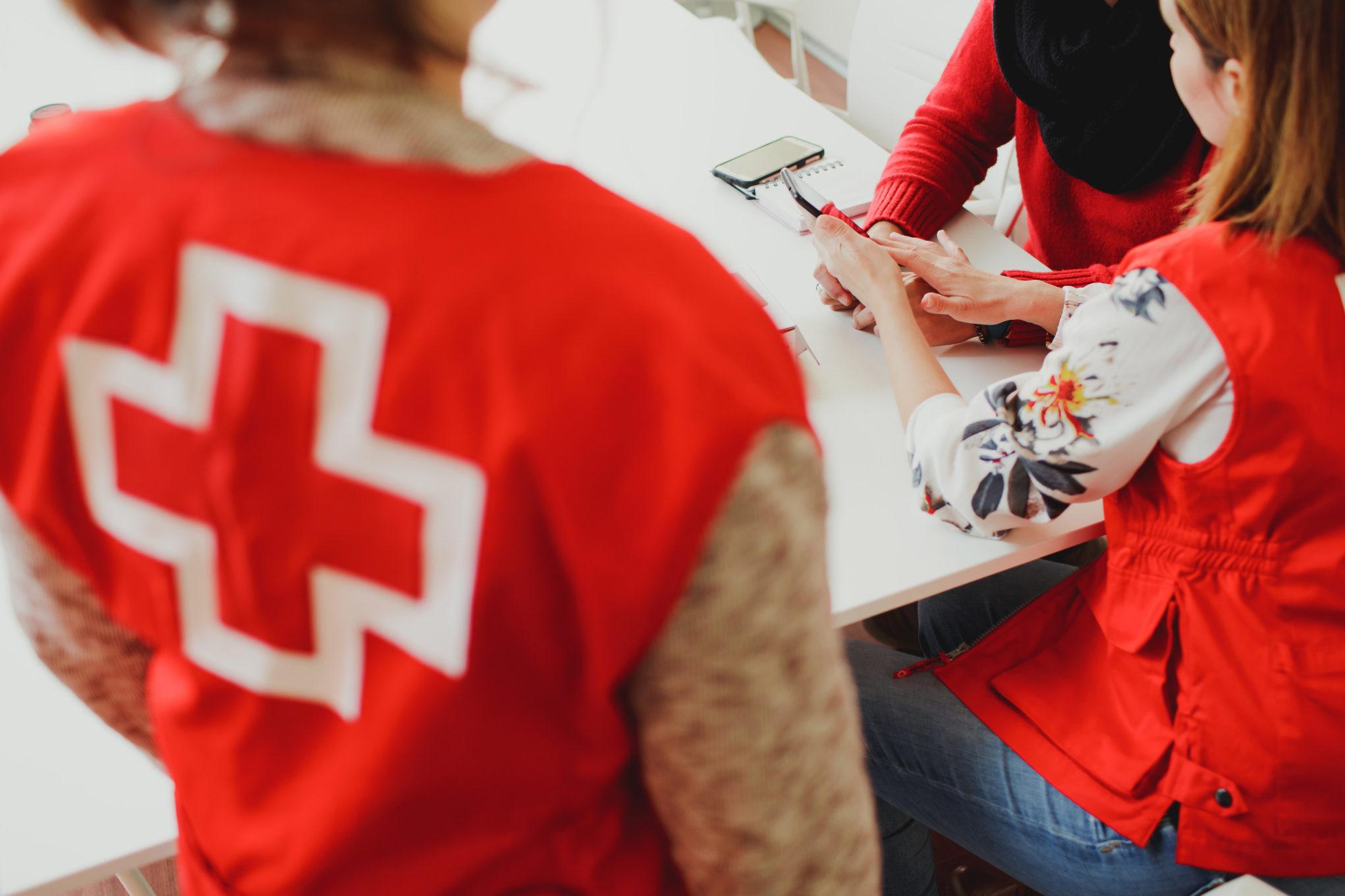Cruz Roja atiende a mujeres víctimas de violencia de género / CanariasNoticias.es
