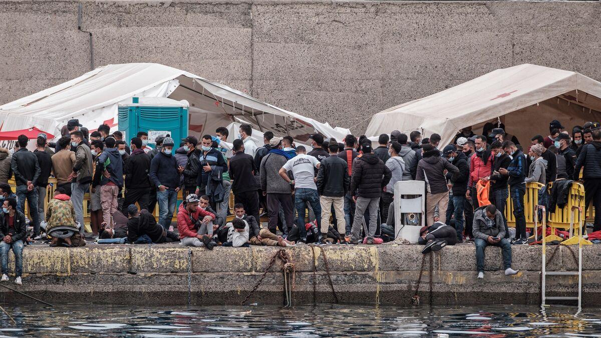Inmigrantes en el muelle de Arguineguín, Mogán. Gran Canaria / CanariasNoticias.es