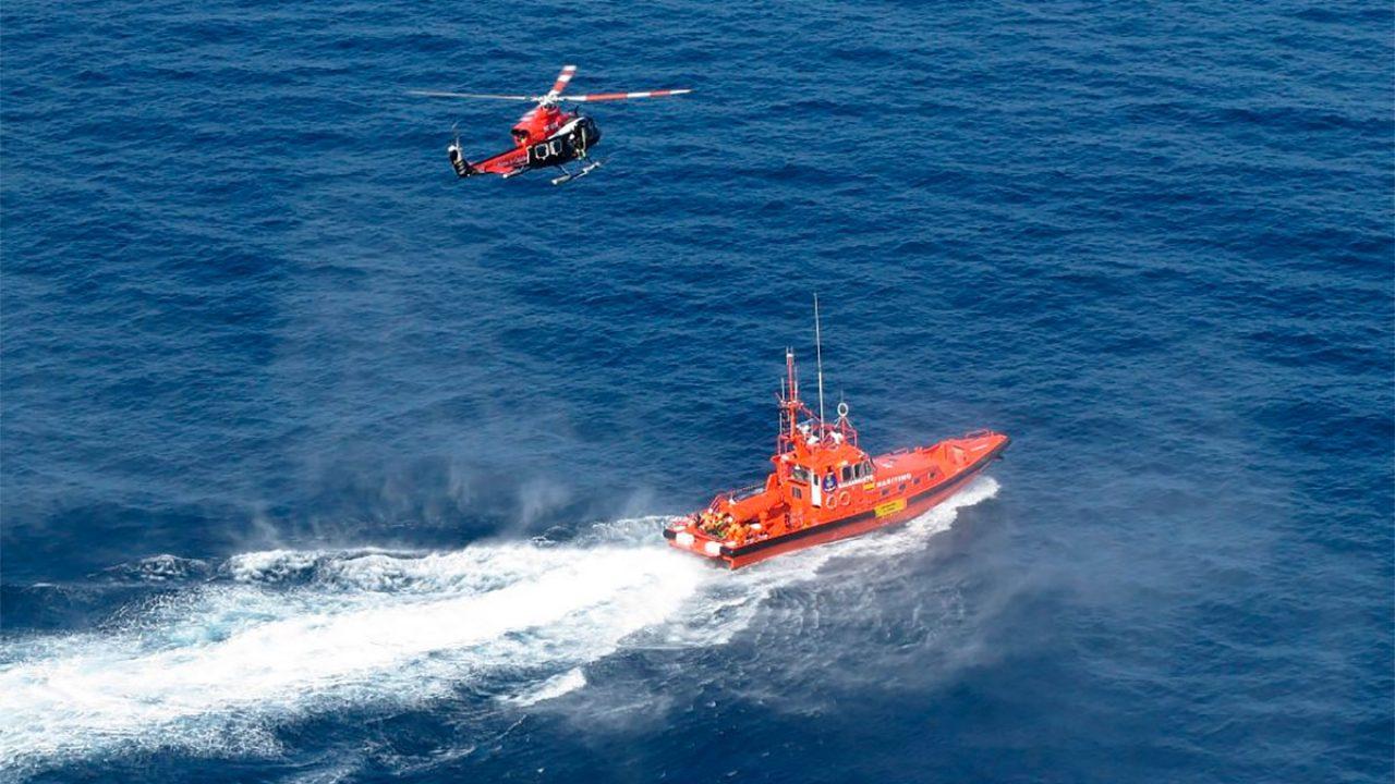 Barco y helicóptero de Salvamento Marítimo / CanariasNoticias.es