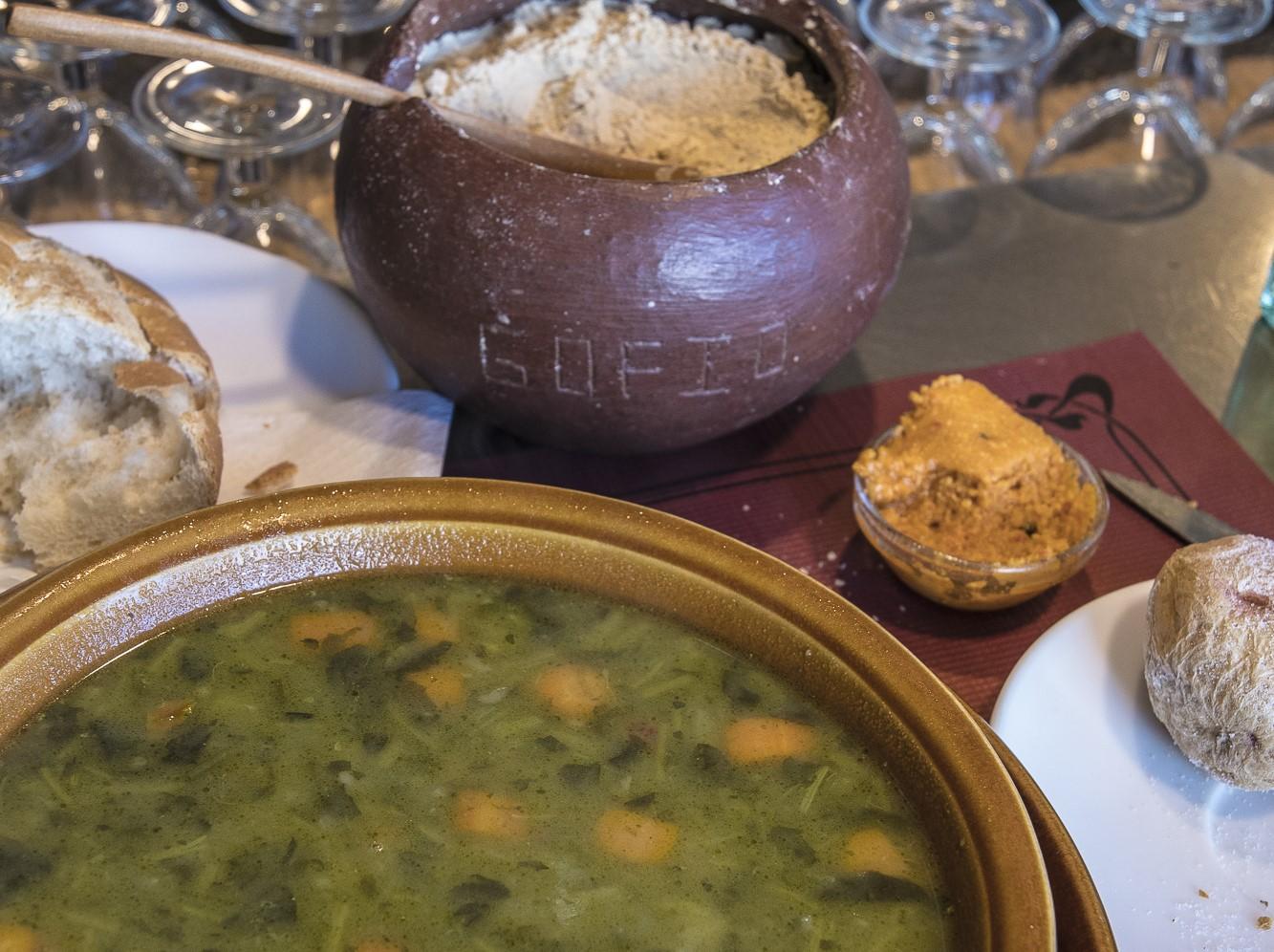 Potaje de berros, gofio y almogrote / CanariasNoticias.es