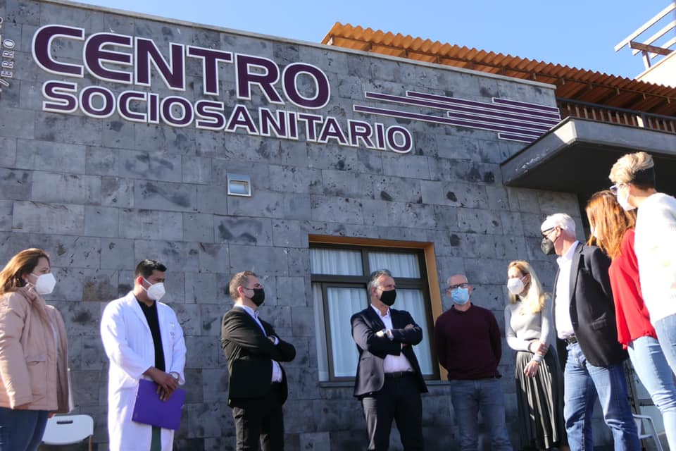Ángel Víctor Torres visita el Centro sociosanitario de Echedo en El Hierro / CanariasNoticias.es
