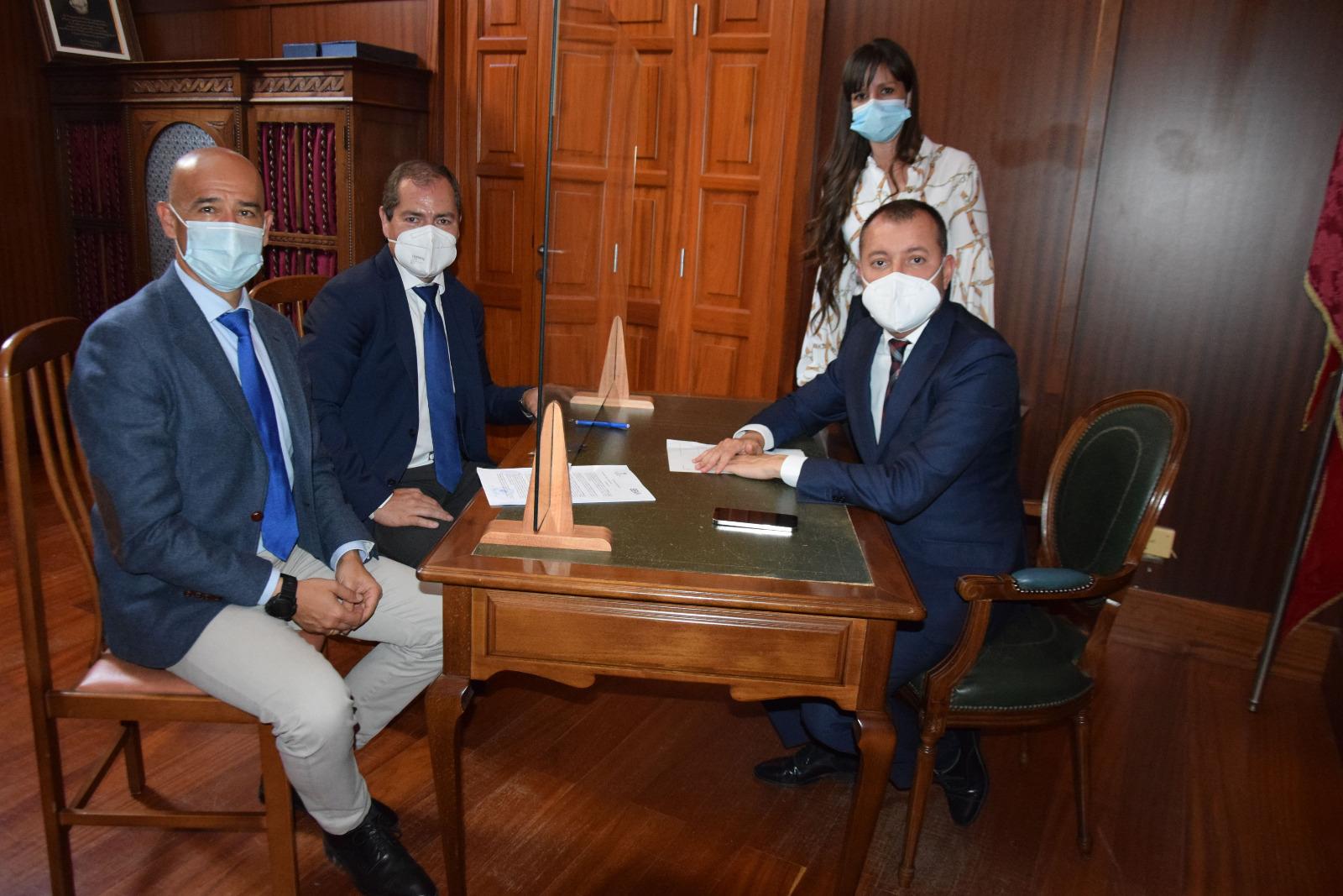 El Ayuntamiento de Gáldar firma con BBVA la refinanciación del crédito ICO / CanariasNoticias.es