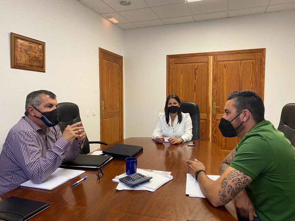El Consejero de Comercio con los alcaldes/ canariasnoticias
