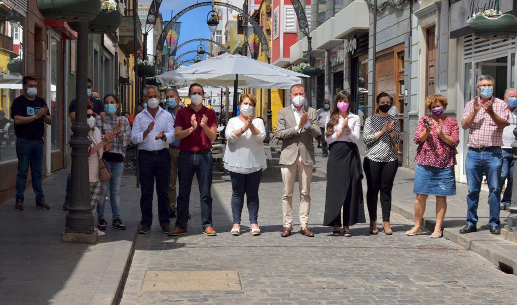 Minuto de silencio en el Ayuntamiento de Gáldar (Gran Canaria)