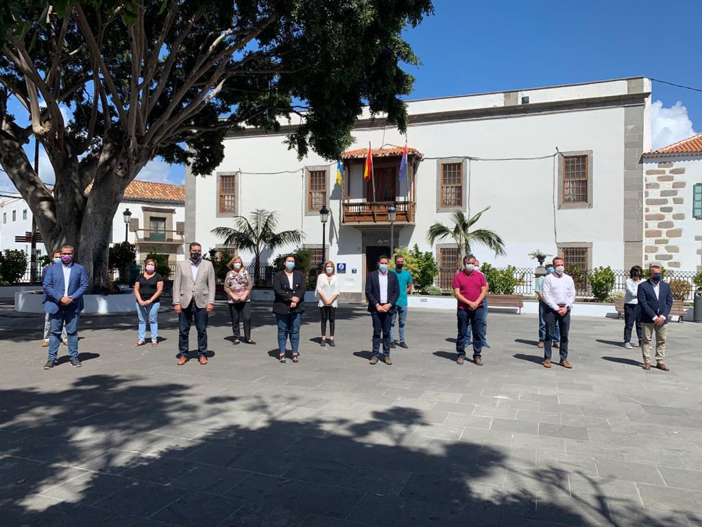 Minuto de silencio en el Ayuntamiento de Telde (Gran Canaria)
