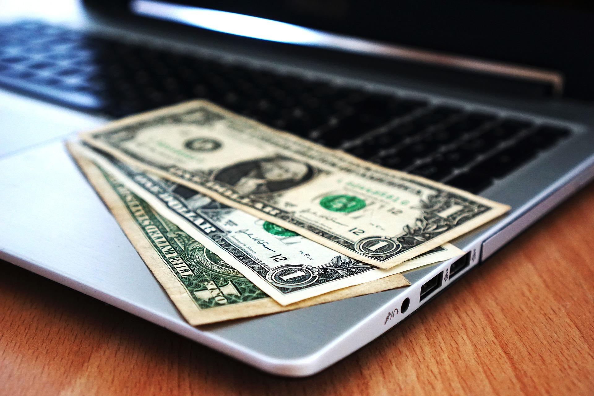 Préstamos online, fáciles y atractivos