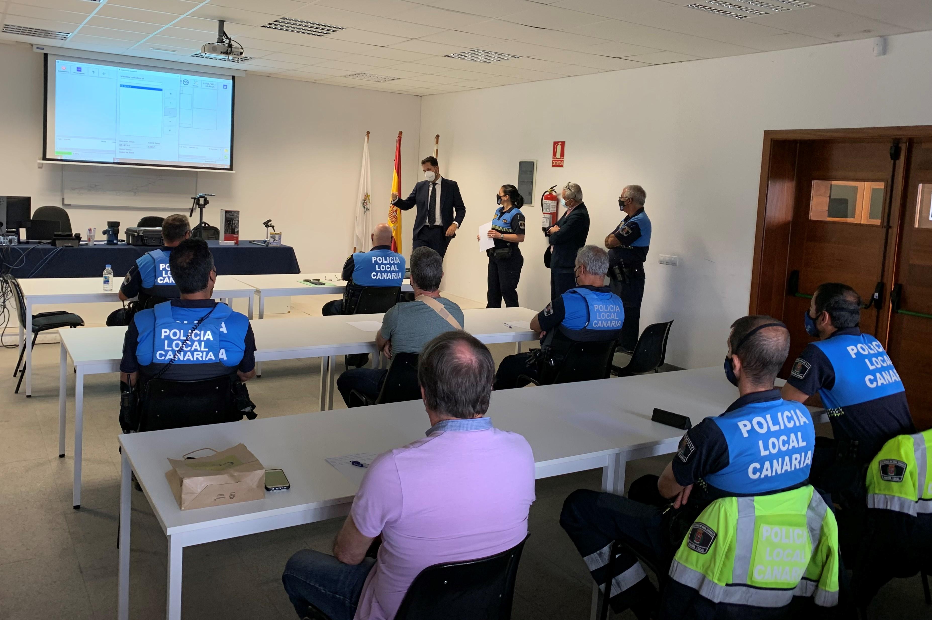 La Policía Local de Las Palmas de Gran Canaria se forma en el uso de radares de última generación / CanariasNoticias.es