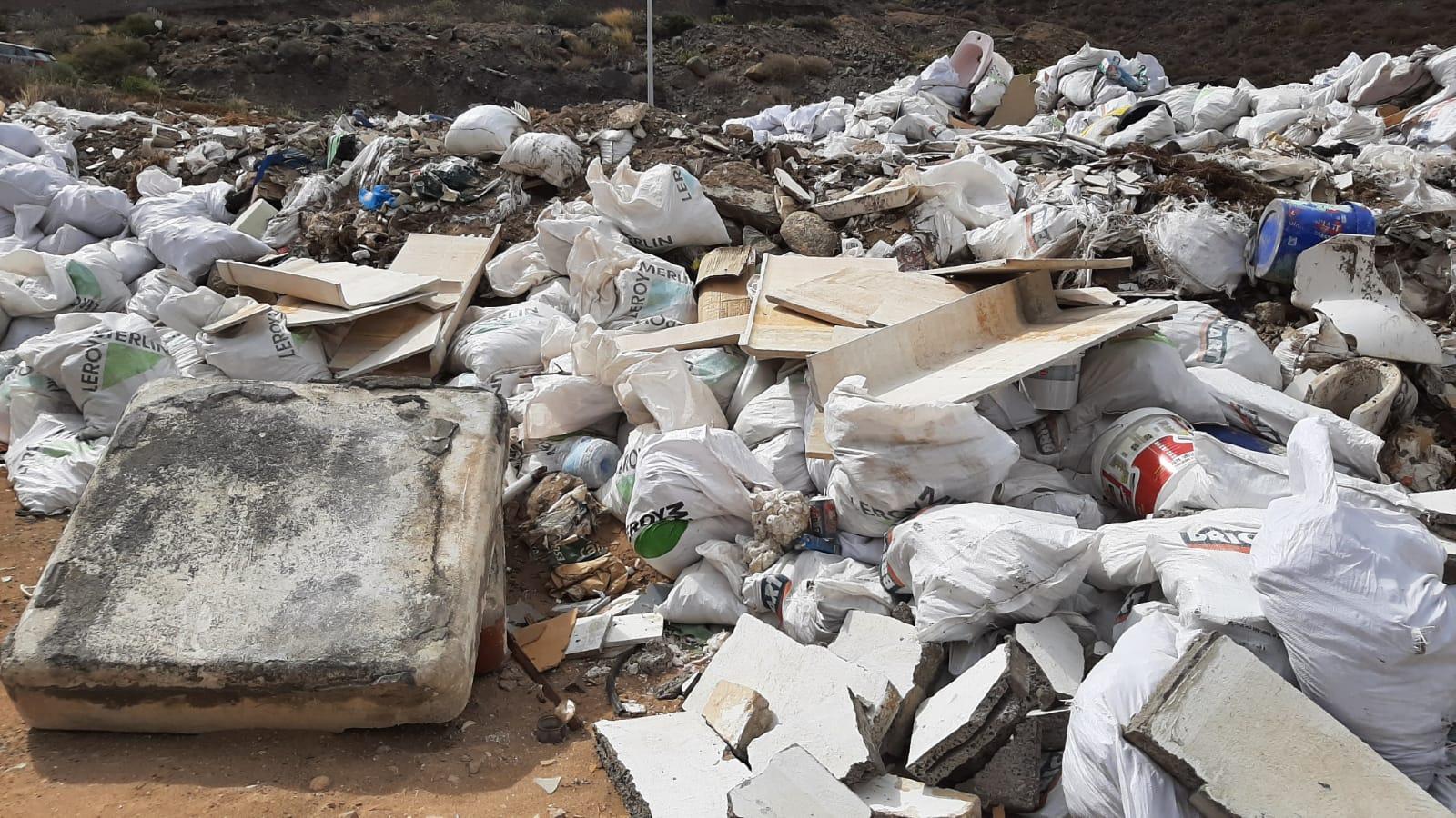 Escombrera de vertidos ilegales en El Lasso en Las Palmas de Gran Canaria