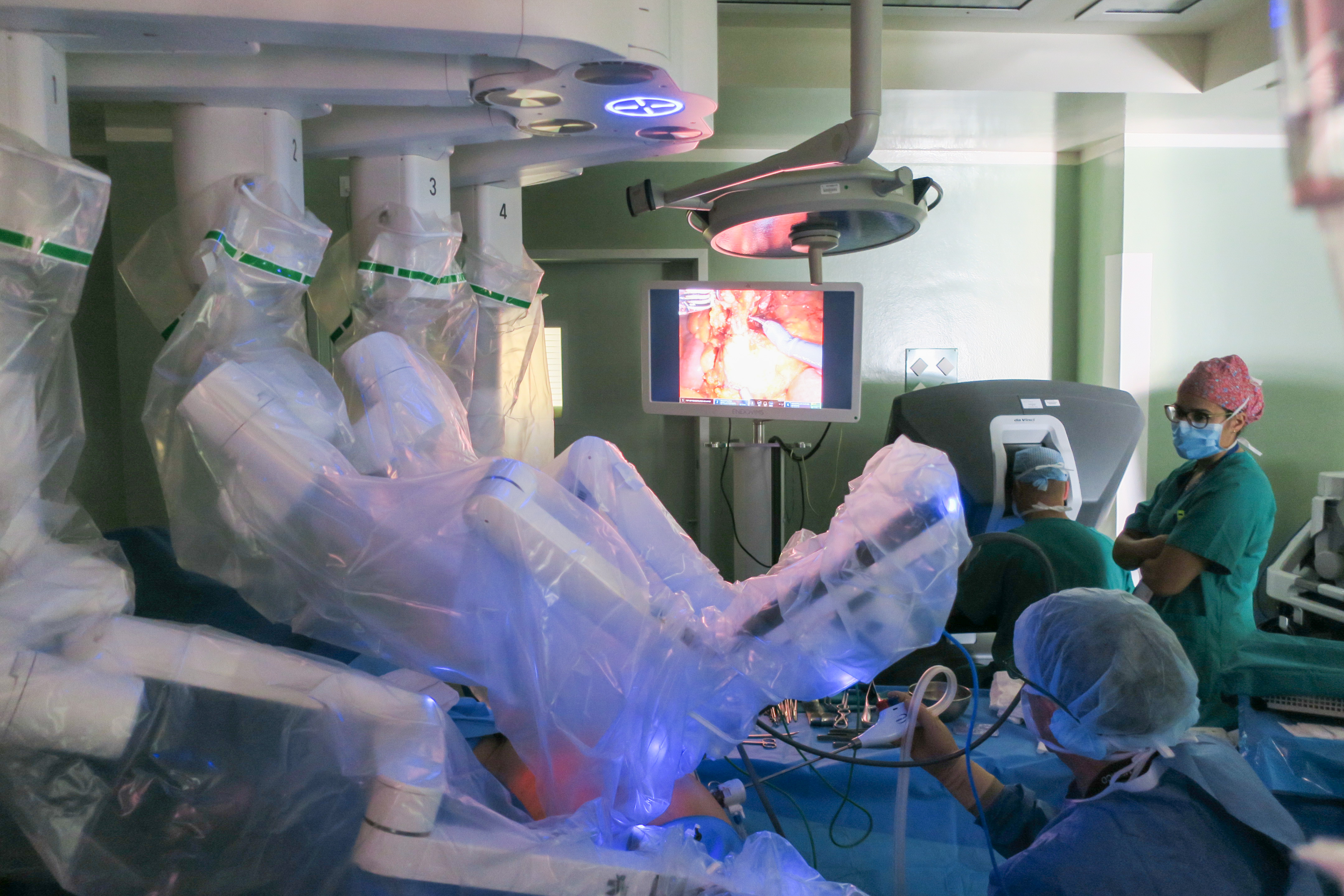 Intervención quirúrgica con el robot Da Vinci / CanariasNoticias.es