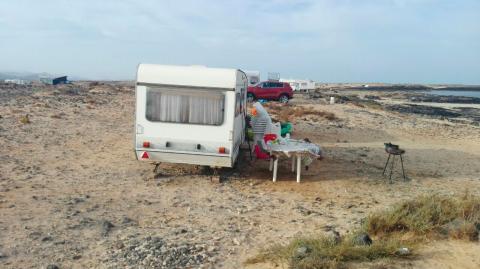 Caravana en una playa de Fuerteventura