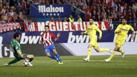 Jugadores de fútbol del Atlético de Madrid y del Villareal