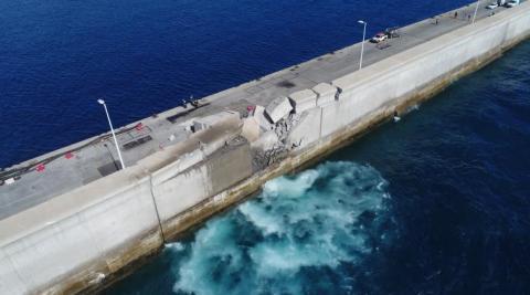 Estado en el que quedó el Muelle Nelson Mandela donde se estrelló un barco de la Naviera Armas
