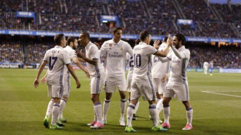 Jugadores del Real Madrid festejando un gol
