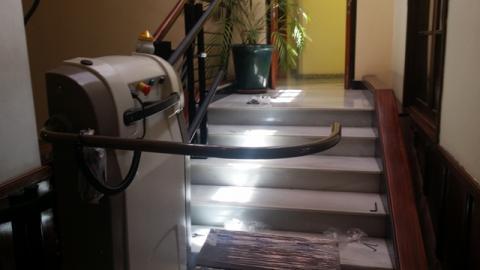 Salvaescaleras para la accesibilidad en el Ayuntamiento de Santa Brígida