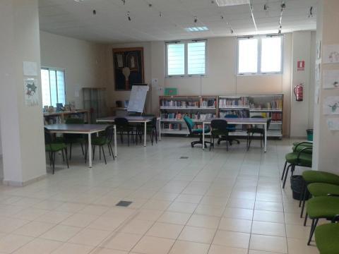 Una sala de la Biblioteca de Añaza