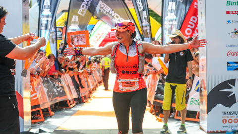 La corredora Ana Begoña González llegando a la meta