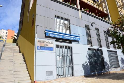 Fachada de la Biblioteca de Ofra en Santa Cruz de Tenerife