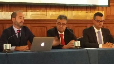 El alcalde de Ingenio, Juan Díaz Sánchez,  Juan Manuel Roa y Chrístopher Rodríguez