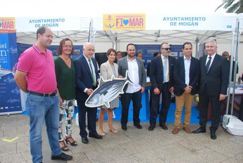 Representantes del Ayuntamiento de Mogan con Antonio Morales