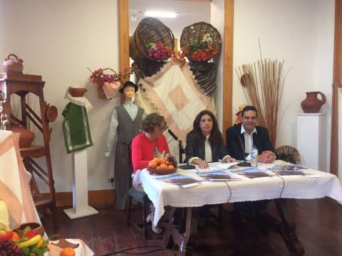 Carmen Hernández, Marta Hernández y Diego Ojeda