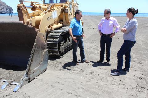 Trabajos en la playa de Gran Tarajal