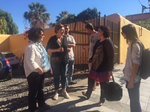 Celeste López con los periodistas
