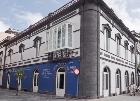 Fachada de la Biblioteca Insular de Gran Canaria