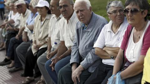 Varios pensionistas