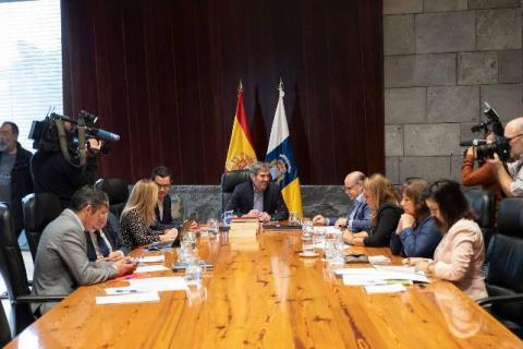 Mesa del Consejo de Gobierno de Canarias
