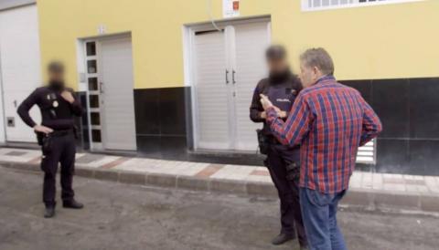 Alberto Chicote con la Policía
