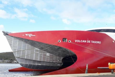 catamaránVolcán de Tagoro