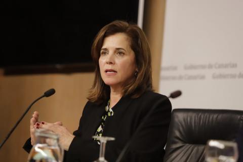Teresa Cruz Oval
