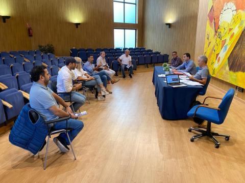 El Ayuntamiento de Tías se reúne con los empresarios de la restauración