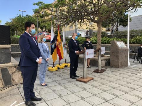 Las Palmas de Gran Canaria honra a los cuatro bomberos fallecidos en el incendio de La Naval hace 34 años