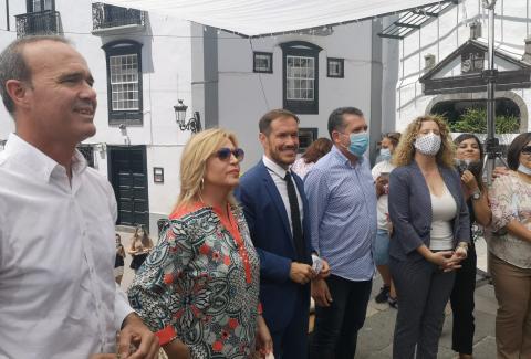 Bertín Osborde entrevista en La Palma a Lydia Lozano para el programa 'Mi casa es la tuya'