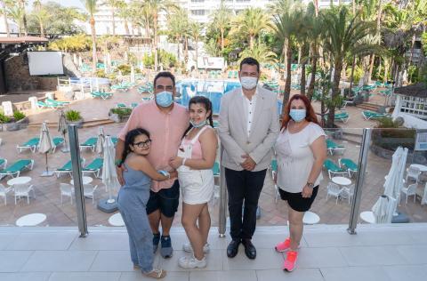 Primeros clientes de Abora Buenaventura by Lopesan Hotels. Gran Canaria