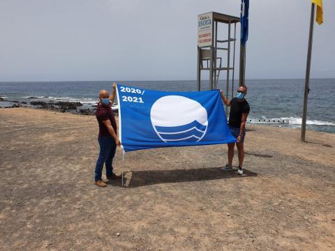 Bandera azul en las piscinas naturales y playa de La Jaquita. Tenerife