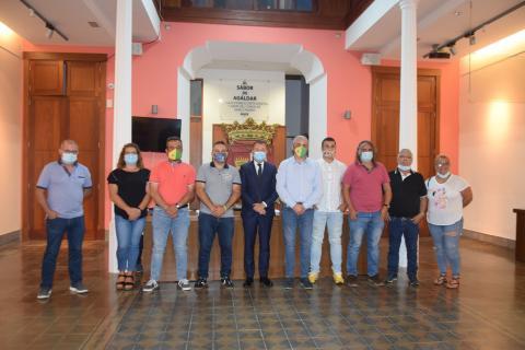 Teodoro Sosa recibe a la junta directiva del Club de Lucha Unión Gáldar. Gran Canaria